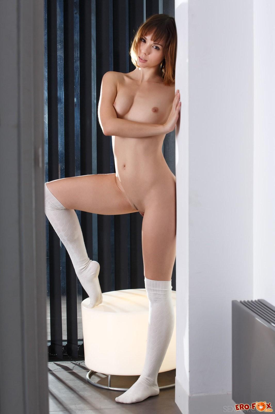 Девушка с красивыми булками  голых девушек.