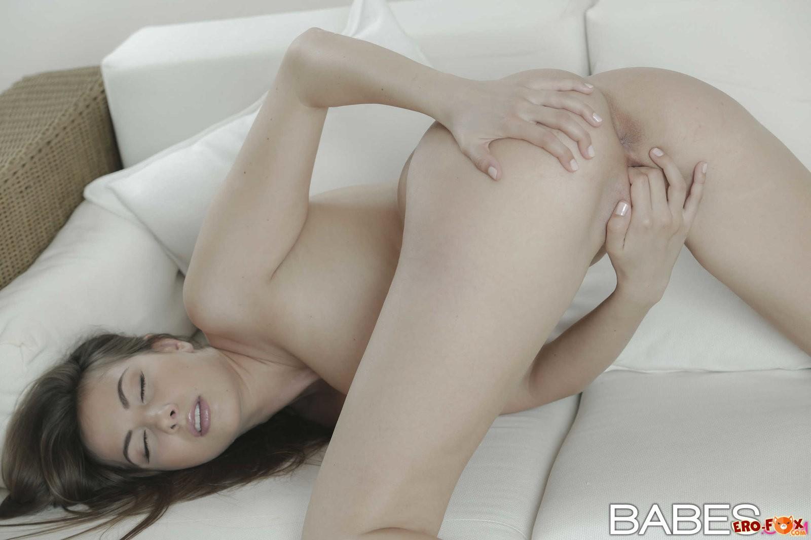 Сочная девушка с большими дойками