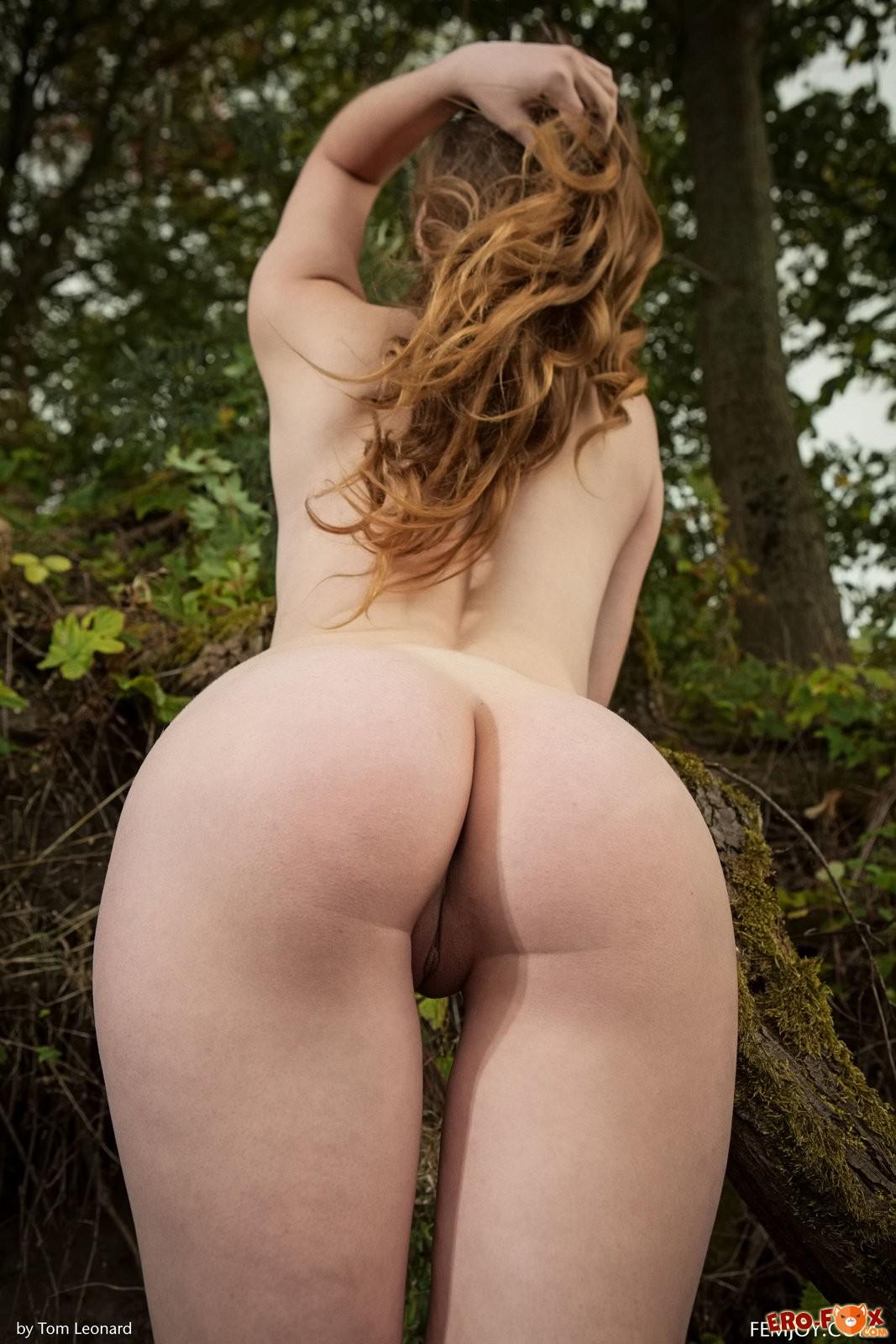 Голая русская девушка с натуральной красотой