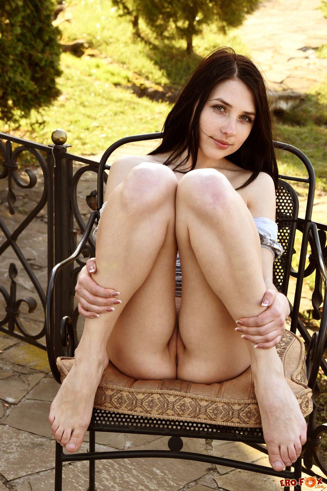 Сочная девушка с аппетитными сиськами